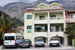 Apartments near the beach in Makarska-Apartment Tony